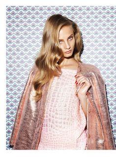 anna selezneva photo shoot3 Anna Selezneva Models Spring Style for Vogue Latin America Spread