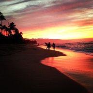 Sunset surfs in Hawaii #LetTheSeaSetYouFree