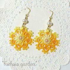 タティングレースのフラワーピアス ~黄×オレンジ~                                                                                                                                                                                 もっと見る