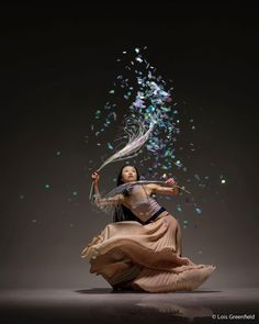 Lois Greenfield is a legendary dance photographer from New York, who captures the beauty and form of the most talented dancers of our time.