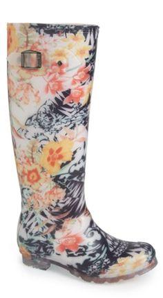 pretty floral print rain boots http://rstyle.me/n/td2far9te