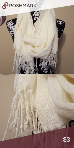 NWT infinity Scarf Off white scarf. Accessories Scarves & Wraps