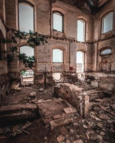 Urbex shooter Richard Hancock doesn't confine his exploring to the UK - this interior was shot in Nerja Spain with a Fujifilm X-T1. As with all urbex locations please do take care if you want to visit places like these and be aware that many are privately owned. See more of Richard's work here: http://ift.tt/1PCU3PB #fujipotd #fujifilm #xt1 #urbex #spain by fujifilm_uk