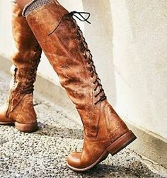 Time for boots!  #autumn #cold #boots #brown #fashion #staywarm