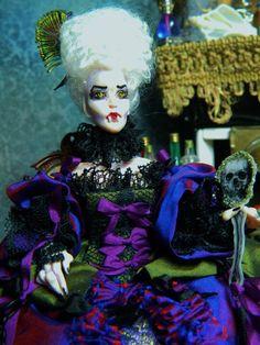 Reserved for Cathy OOAK 5.5 inch poseable Vampire par LoreleiBlu