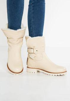 Schoenen Panama Jack FELIA TRAVELLING - Korte laarzen - raw Gebroken wit: € 199,95 Bij Zalando (op 18-1-17). Gratis bezorging & retournering, snelle levering en veilig betalen!