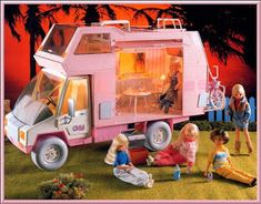 Barbie, Vintage Dolls, Pony, Childhood, Activity Toys, World, Petite Body, Feelings And Emotions, Old Fashioned Toys