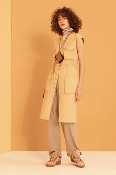 See by Chloé Pre-Fall 2017 Collection Photos - Vogue Chloe Fashion, Fashion Week, Fashion 2017, Fashion Show, Sleeveless Jacket, See By Chloe, Mellow Yellow, Fashion Fabric, Military Fashion