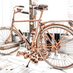 If you could be reincarnated, who or what would you be? We would probably be the shiny #copper bicycle from our #QueenWest Shop. #realtalk #thisiskitandace #kitandaceto