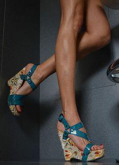 Kup mój przedmiot na #Vinted http://www.vinted.pl/kobiety/platformy/8450018-sandaly-kwiaty-sandalki-koturny-roz40