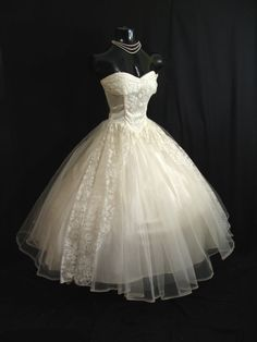 1950s Strapless Ivory Tulle Formal Dress