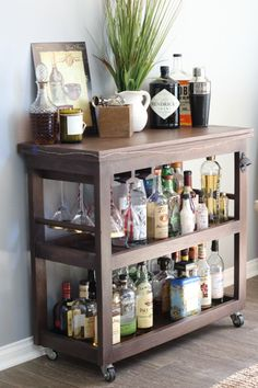 """Excellent """"gold bar cart styling"""" detail is offered on our website. Have a look and you wont be sorry you did. Diy Bar Cart, Bar Cart Styling, Gold Bar Cart, Bar Cart Decor, Bar Cart Wood, Bar Carts, Home Design, Design Design, Bandeja Bar"""