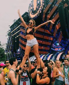 Ideas Music Festival Ideas Edm For 2019 Festival Looks, Rave Festival, Festival Party, Festival Outfits, Festival Fashion, Veld Music Festival, Untold Festival, Firefly Music Festival, Coachella