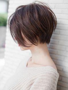 Pin by Annantha on Hair ideas in 2020 Short Shaggy Haircuts, Shaggy Short Hair, Asian Short Hair, Haircuts For Fine Hair, Haircut For Thick Hair, Short Bob Hairstyles, Short Hair Cuts, Asian Bob Haircut, Androgynous Hair