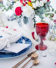 We teamed up with the talented team at Engaging Invites and our favorite party planner, Colin Cowie, to bring you this gorgeous of July party! 4th Of July Party, Fourth Of July, Branch Art, Dinner Party Table, July Wedding, Table Settings, Place Settings, Party Entertainment, Shades Of Red