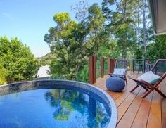 A warm, rich wood deck includes a round plunge pool with mosaic tile, designed by Villa Plunge Pools of Perth, Australia. Because they are compact, Villa's plunge pools warm up quickly and provide swim and soak opportunities throughout the year. Small Swimming Pools, Small Pools, Swimming Pools Backyard, Pool Spa, Swimming Pool Designs, Backyard Gazebo, Backyard Garden Design, Backyard Landscaping, Patio