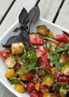 Tomato Panzanella With Arugula