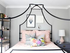 Canopy bed. Teen bedroom.