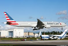 Boeing 777-323/ER - American Airlines | Aviation Photo #2270141 | Airliners.net