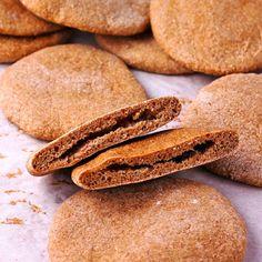 Wheat Pita Recipe, Bread Oil, Whole Wheat Pita Bread, What Are Organic Foods, Vegan Bread, Instant Yeast, Vegan Baking, Tray Bakes, Whole Food Recipes