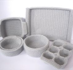 crochet cooking pans. Need to make these for the kitchen center!