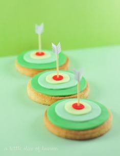 target & arrow cookies