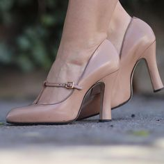 "6,849 aprecieri, 13 comentarii - Andreea Balaban (@andreea.balaban) pe Instagram: ""Thrill of the heel."""