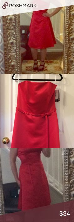 🎁Jessica McClintock Red Strapless Party Dress🎀 NWT🎁Red satin strapless dress.  Perfect prom dress! Product # 24758 13 423004.  Never worn.  Original tags attached! Jessica McClintock Dresses Strapless