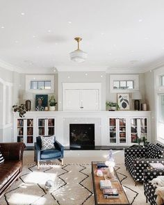 Home Living Room, Bungalow Interiors, Home Remodeling, Craftsman Interior, Home Decor, Room Remodeling, House Interior, Craftsman Living Rooms, Craftsman Decor