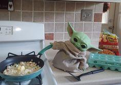 Yoda Meme, Yoda Funny, 13 Year Old Christmas Gifts, Yoda Images, Minion Baby, Black Panther Art, Cute Alien, War Comics, Star Wars Baby