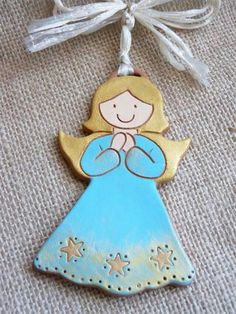 Angioletto terracotta Clay Projects, Projects To Try, Terracotta, Christmas Ornaments, Holiday Decor, Angels, Xmas Ornaments, Christmas Jewelry, Terra Cotta