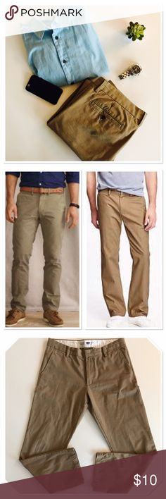 Men Chinos In excellent condition! Color khaki. Size 34/32. Have the same in grey! Ask me about it..... maybe for a bundle!!!!! Will post soon ! Old Navy Pants Chinos & Khakis