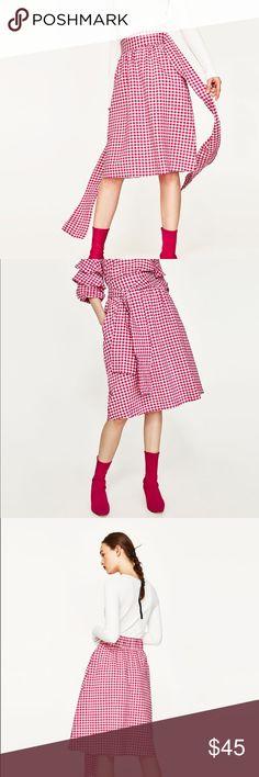 Zara fuschia gingham skirt So girly with fuchsia pink! Light and airy feel Zara Skirts