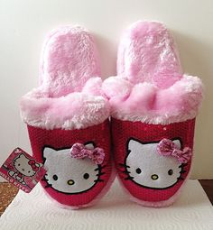 HELLO KITTY Plush Slippers House Shoes Scuffs Ladies Size MEDIUM 7-8 Pink