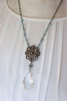 Advice And Guidance On Jewelry That You Need To Read Isabella-Vintage assemblage necklace aqua por frenchfeatherdesigns - My Accessories World Crystal Jewelry, Crystal Necklace, Wire Jewelry, Boho Jewelry, Jewelry Crafts, Beaded Jewelry, Vintage Jewelry, Jewelry Necklaces, Gemstone Necklace