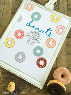 Donuts Happy with sprinkles free printables. Do you love donuts? I have a little obsessions with donuts. They are so round and cute! I thought it would be fun to make a happy sprinkles donut printable for Spring. Donuts with Sprinkles Printables.