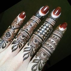 These simple and easy mehndi designs are very popular among the young girls. There are numerous designs for the girls to adapt easily. Simple patterns can be applied on any formal and informal occasions. Simple Arabic Mehndi Designs, Finger Henna Designs, Mehndi Designs For Fingers, Fingers Design, Simple Henna, Latest Mehndi Designs, Mehandi Designs, Heena Design, Tattoo Designs