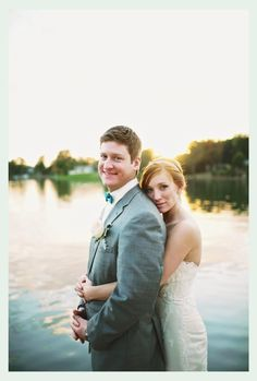 Wedding picture. Bride and Groom, outdoor wedding pictures, sunset wedding pictures