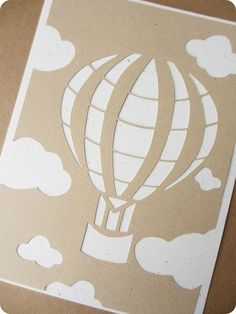 Affichette montgolfière en papier découpé, version kraft / Kraft hot air balloon papercut illustration - A commander sur www.tadaam.fr !
