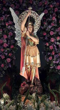 Saint Michael, Kunst Online, Archangel, Altar, Saints, St Michael, Religious Pictures, Christ, Statues