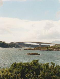 The Isle of Skye Langsde westkust naar beneden richting Ullapool, een havenstadje aan Loch Broom. Je kunt hiervandaanmet de veerboo...