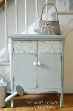 A vintage record cabinet gets a before and after in Annie Sloan chalk paint, Duck Egg blue and Coco. Upcycled Furniture, Shabby Chic Furniture, Vintage Furniture, Blue Painted Furniture, Chalk Paint Furniture, Refinished Furniture, Blue Cabinets, Cupboards, Record Cabinet