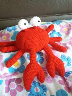 Amigurumi crab crochet crab