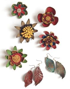 Ethel Curry Gallery located in the Haliburton Highlands of Ontario features artist information and art gallery portfolio's of fine Canadian artists. Leather Flowers, Canadian Artists, Feather Earrings, Artist Art, Pretty Flowers, Mothers, Art Gallery, Gift Ideas, Gifts