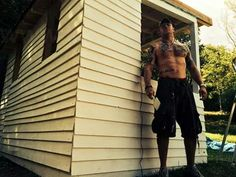 Aghhhh... Omg...... Tom Hardy... Killing me.... Shirtless tattoos muscles sexy hot GORGEOUS ❤❤❤ SEXY BEAST