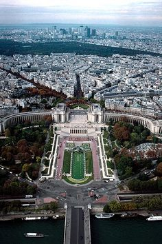 Visit Place Trocadero and Palais de Chaillot to view the Eiffel Tower - Paris I Love Paris, New Paris, France For Kids, Monaco, Camping Tours, Outside World, Cruise Vacation, Belle Photo, Paris France