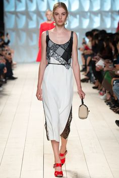 Nina Ricci Spring 2015 Ready-to-Wear Fashion Show - Jo Molenaar (VIVA)