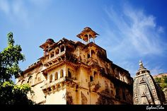 Another wonderful piece of #architecture lost in the ashes of time. #india #jaipur #explorertales