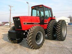 Tractors restored 88 series International Harvester ih 5488 ih 5288 ih 5088 hard to find parts - TRIPLE R TRACTORS Old John Deere Tractors, Case Ih Tractors, Big Tractors, Farmall Tractors, Truck And Tractor Pull, Tractor Pulling, Train Truck, Red Tractor, International Tractors