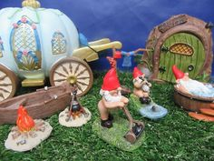 Fairy Garden Miniature World - Miniature Garden Gnome - Fairy Garden - New
